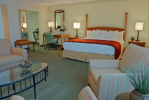DoubleTree by Hilton Hotel Annapolis - King Junior Suite