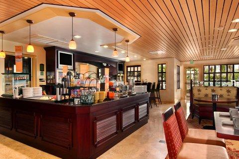 DoubleTree Suites by Hilton Naples - Breakfast in Portofino