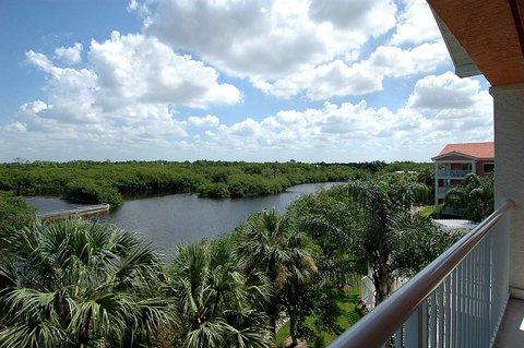 DoubleTree Suites by Hilton Naples - 1 King Suite Riverview