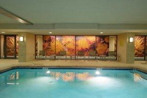 Hotels Near The Georgia Aquarium With Indoor Pool