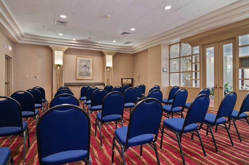 Hilton Suites Atlanta Perimeter Конференц-зал
