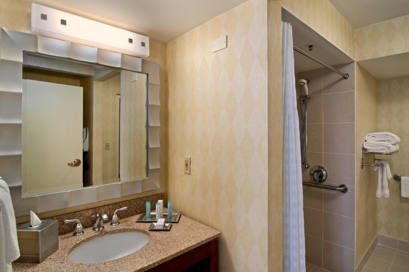 Hilton Suites Atlanta Perimeter Вид в номере