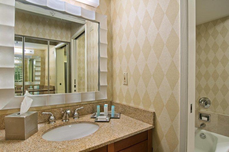 Hilton Suites Atlanta Perimeter Pokoj