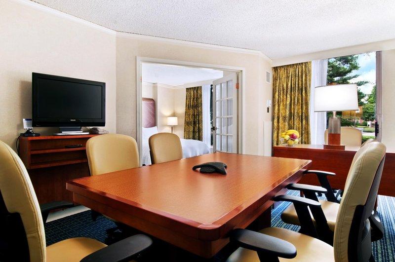 Hilton Suites Atlanta Perimeter Люкс