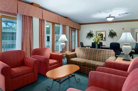 Hilton Austin Airport - Hill Country Suite