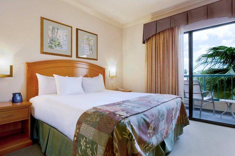 Hilton Suites Boca Raton Suite