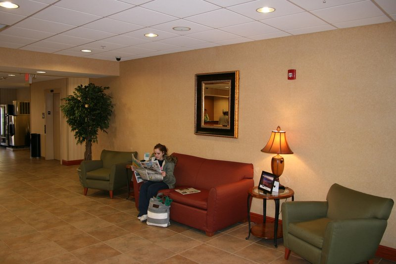 Hampton Inn - Belle Vernon, PA