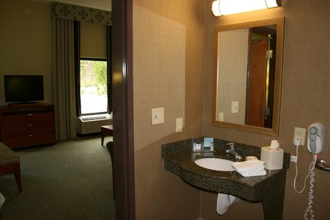 Hampton Inn - Suites Birmingham Airport Area AL - Accessible Studio Vanity