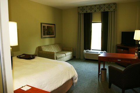 Hampton Inn - Suites Birmingham Airport Area AL - King Study