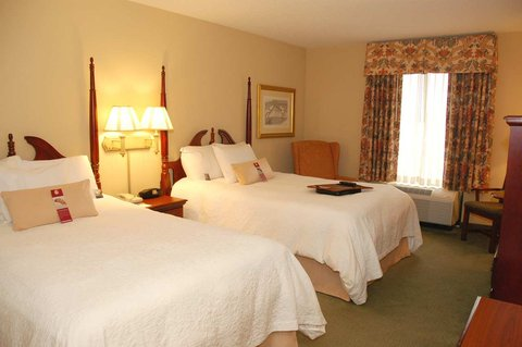 Hampton Inn & Suites Nashville - Green Hills - Two Double Beds