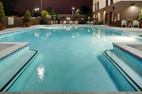 Hampton Inn - Suites Nashville-Vanderbilt-Elliston Place - Outdoor Pool