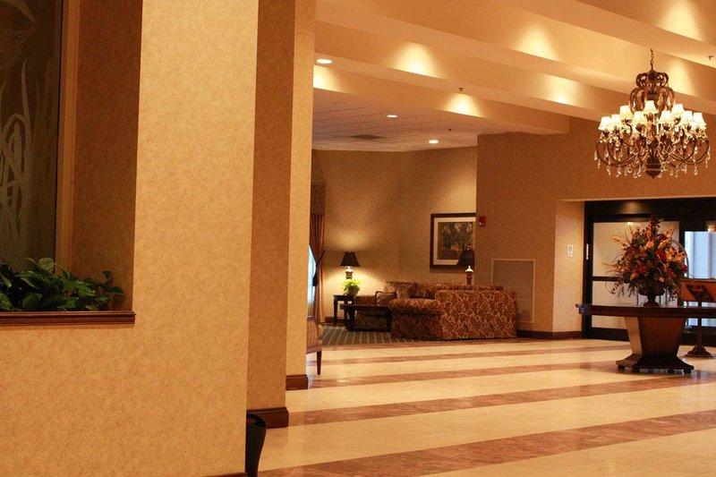DoubleTree by Hilton Hotel Boston - Milford Vista exterior