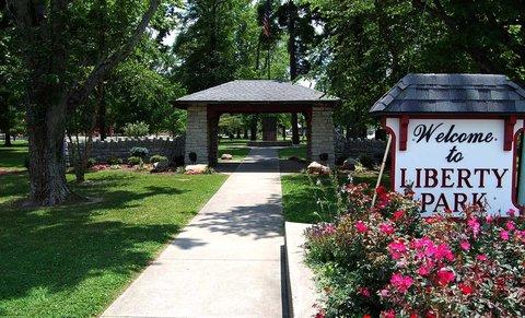 Hampton Inn Batesville IN - Liberty Park