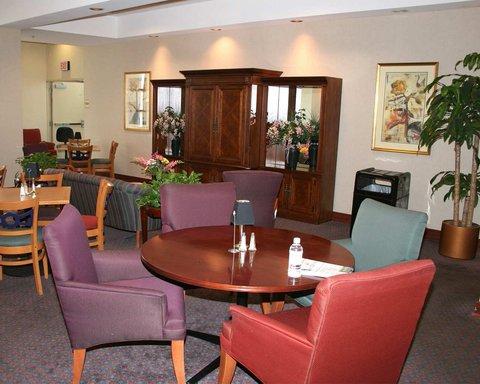 DoubleTree Club by Hilton Buffalo Downtown - Club Room