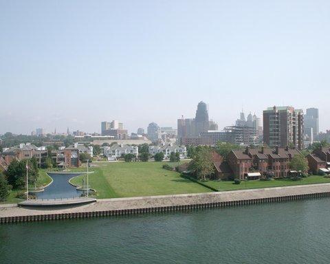 DoubleTree Club by Hilton Buffalo Downtown - The Buffalo Skyline
