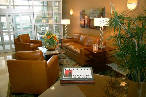 DoubleTree Club by Hilton Buffalo Downtown - Lobby