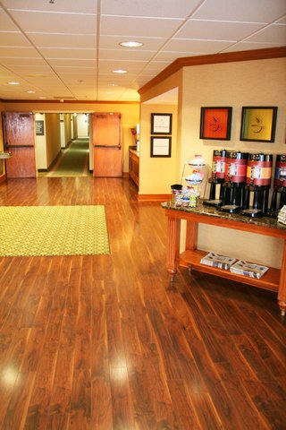 Hampton Inn Bowling Green - Welcome to our New Lobby