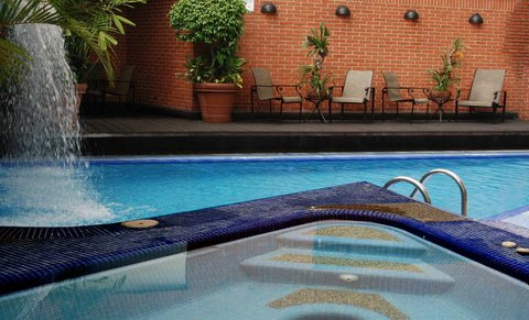 Embassy Suites by Hilton Caracas - Pool Whirlpool