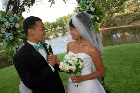 DoubleTree by Hilton Chicago - Arlington Heights - Outdoor Weddings