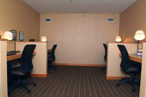 DoubleTree by Hilton Chicago - Arlington Heights - 24 Hour Business Center