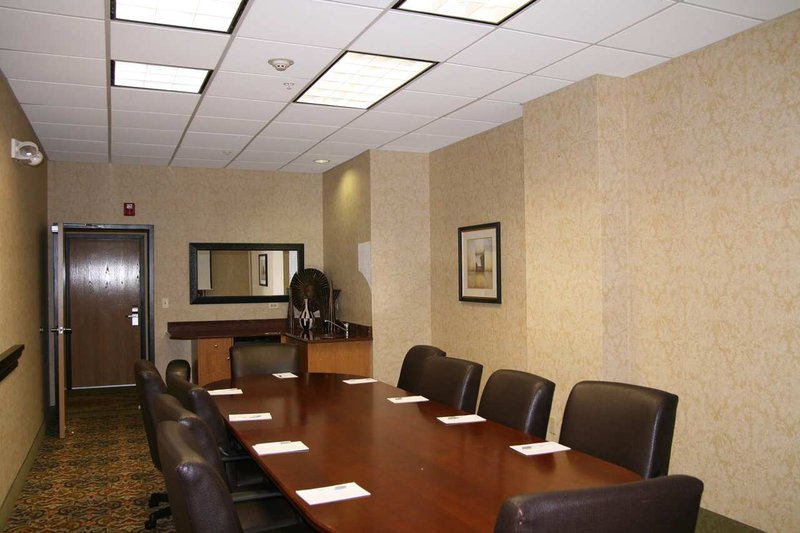Hampton Inn & Suites Bolingbrook, IL Sala de conferencias