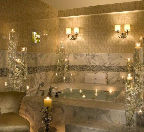 ذا بالمر هاوس هيلتون - Penthouse Suite Bath