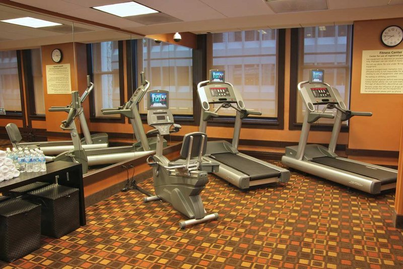 Hampton Inn Majestic Chicago Theatre District Fitness