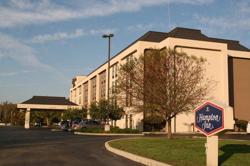 Hampton Inn Columbus/Taylorsville Außenansicht