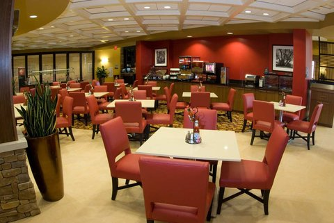 Embassy Suites Columbus - Airport - Breakfast Area