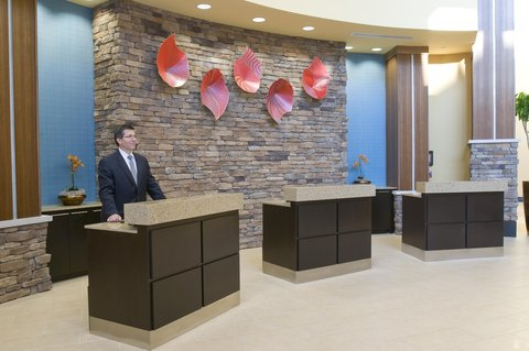 Embassy Suites Columbus - Airport - Front Desk