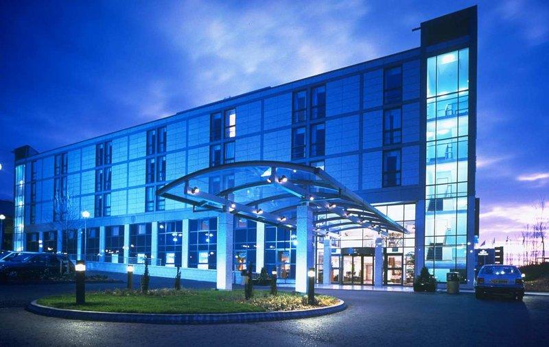 Hilton Croydon Fasad
