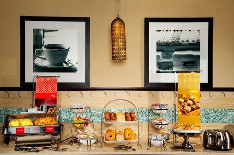 Hampton Inn Columbus - Breakfast Sample