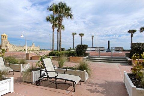 Hilton Daytona BeachResort-Ocean Walk Village - Cabana Suite