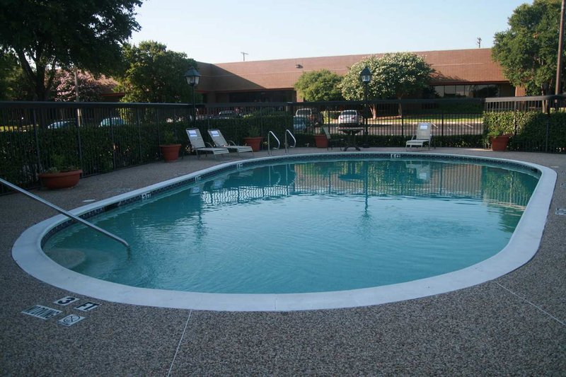 Hampton Inn Dallas-Arlington-DFW-Six Flags, TX Vista della piscina