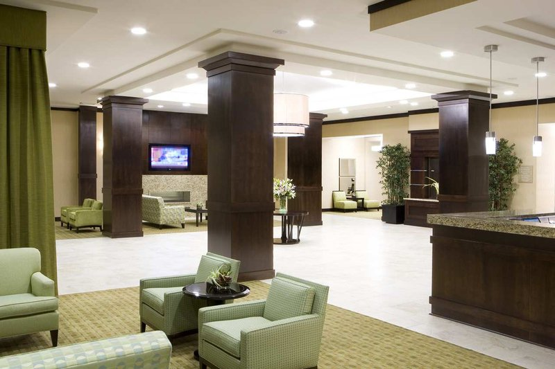 Hilton Garden Inn Arlington Shirlington Lobby