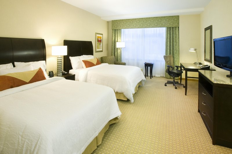 Hilton Garden Inn Arlington Shirlington View of room