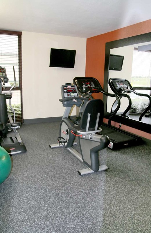 Hampton Inn Dallas-Ft. Worth Airport South, TX Fitness