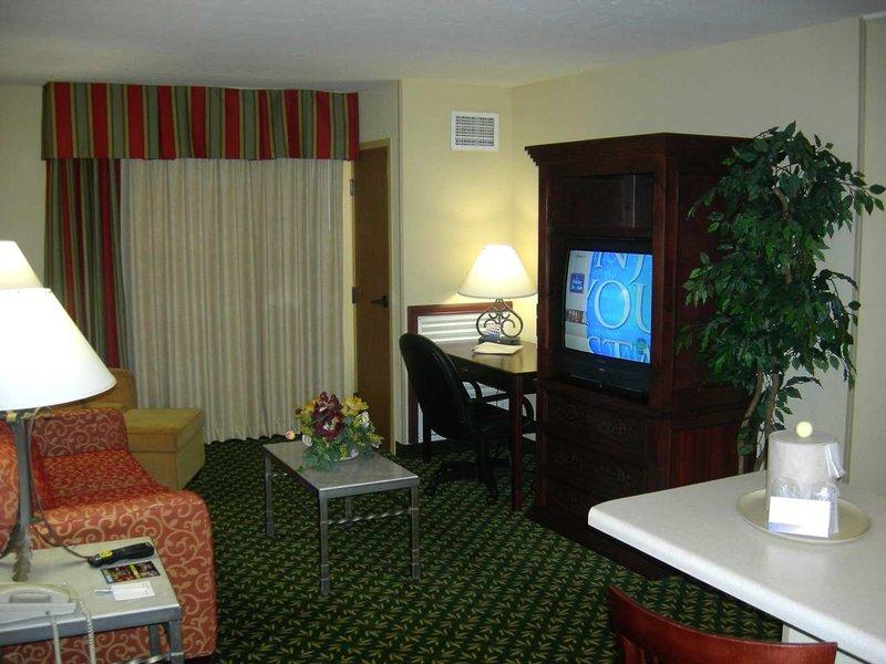 Hampton Inn & Suites El Paso-Airport - El Paso, TX