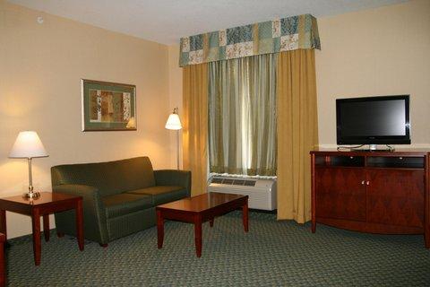 Hampton Inn - Suites El Paso West - Suite Living Area
