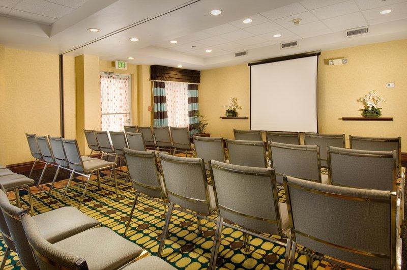 Hampton Inn & Suites Ft. Lauderdale Airport Konferenciaterem