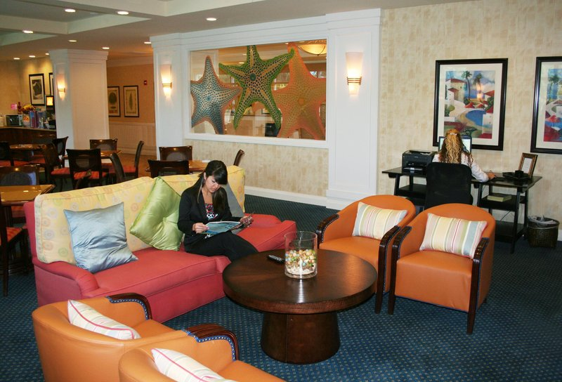 Hampton Inn Hallandale Beach/Aventura, FL Lobby