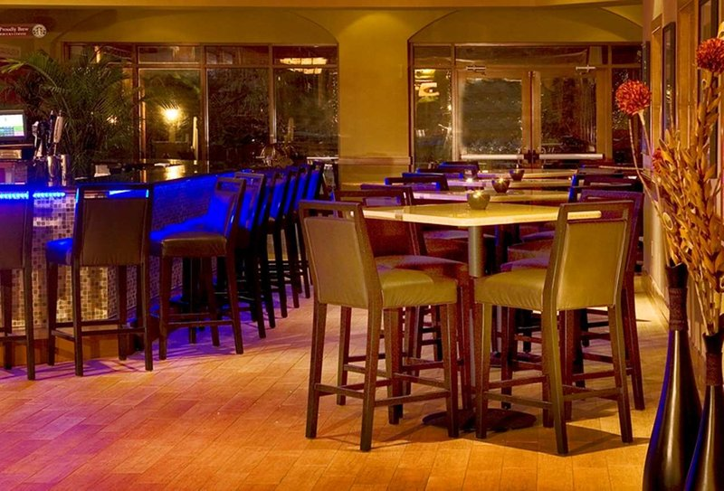 Embassy Suites Fort Lauderdale - 17th Street Gastronomie