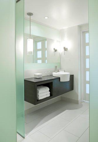 هيلتون فورت لودرديل مارينا - Tower Jr  Suite King Bathroom