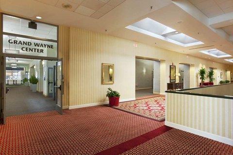 Hilton Fort Wayne at the Grand Wayne Convention Center - Second Floor Lobby