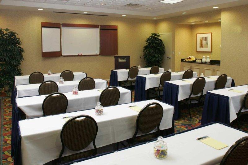Hilton Garden Inn Providence Airport/Warwick Toplantı salonu