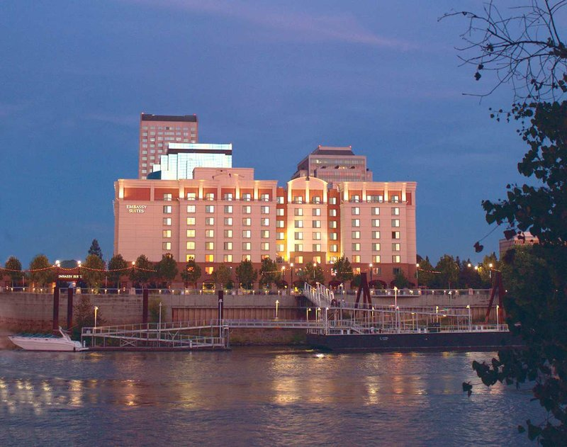 Embassy Suites Sacramento - Riverfront Promenade Ulkonäkymä