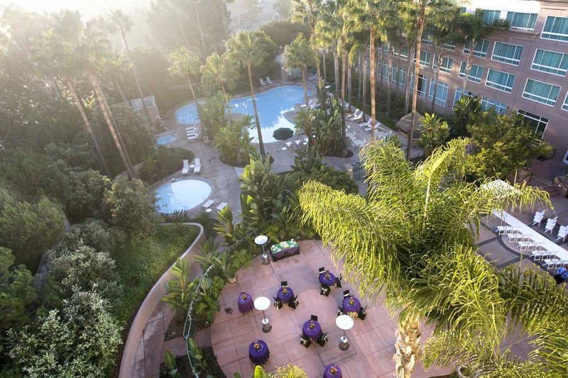 Doubletree Hotel San Diego/Del Mar 游泳池视图