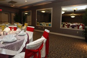 Hotels Near Tom Sawyer Park Louisville Ky