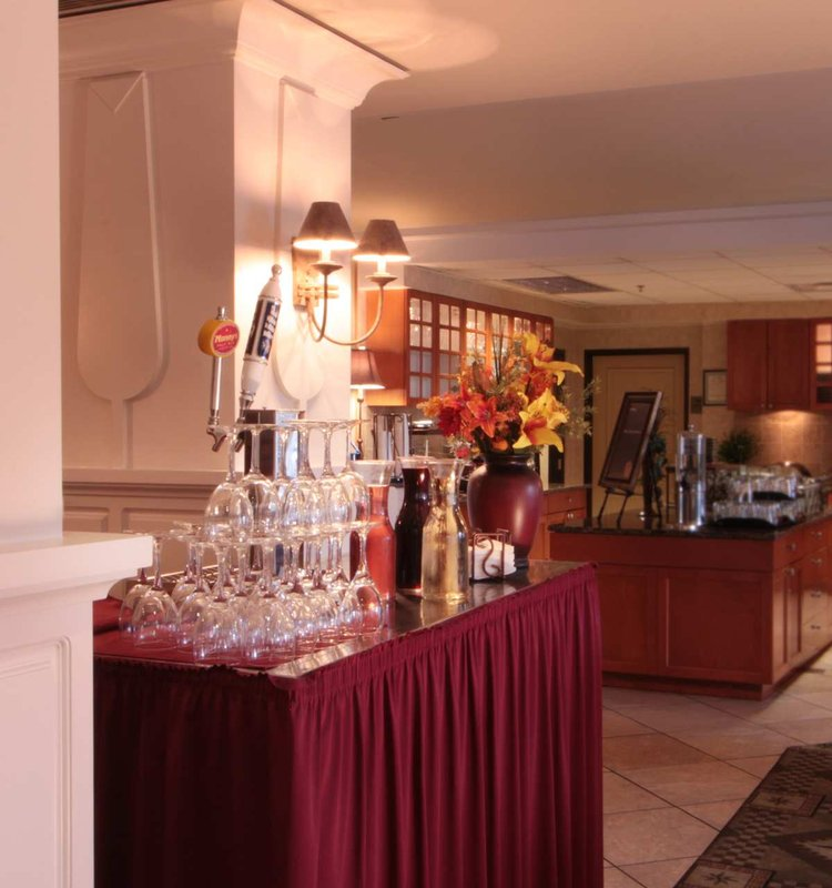 Homewood Suites by Hilton Seattle Downtown Bar/lounge