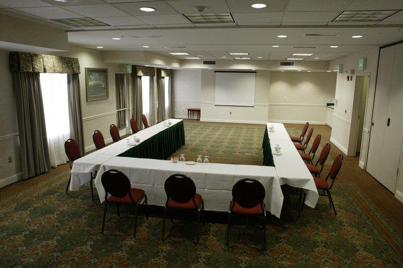 Hilton Garden Inn Seattle/Renton Salle de conférence